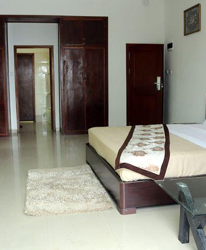 room-image